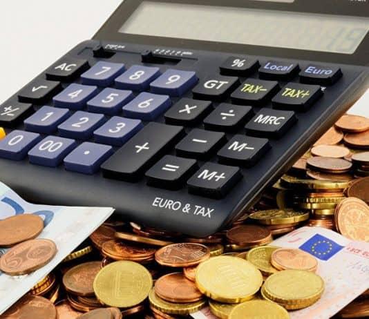 статистика зарплат в чехії