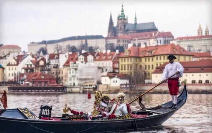 По Влтаві будуть плавати венеціанські гондоли