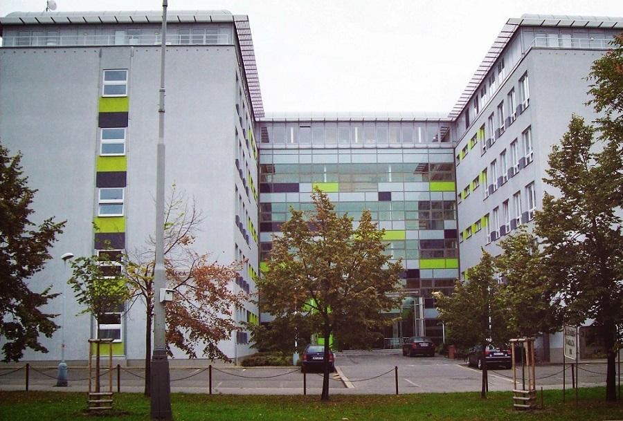 медичні університети чехії