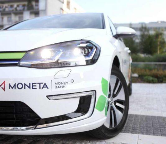 Чеський банк запропонує біля своїх відділень станції зарядки електромобілів