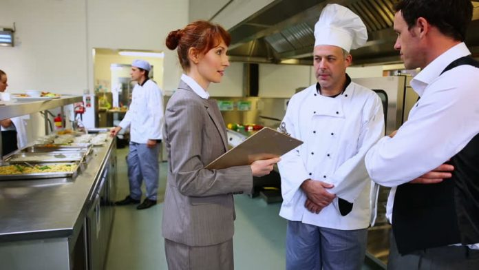 робота кухаря та офіціанта в Чехії