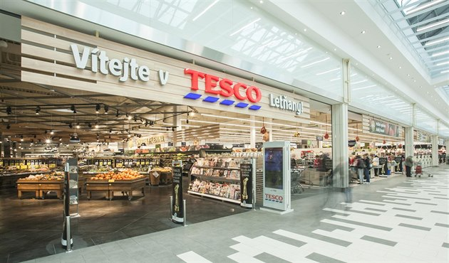 tesco скорочує час роботи супермаркетів в Чехії через брак кадрів