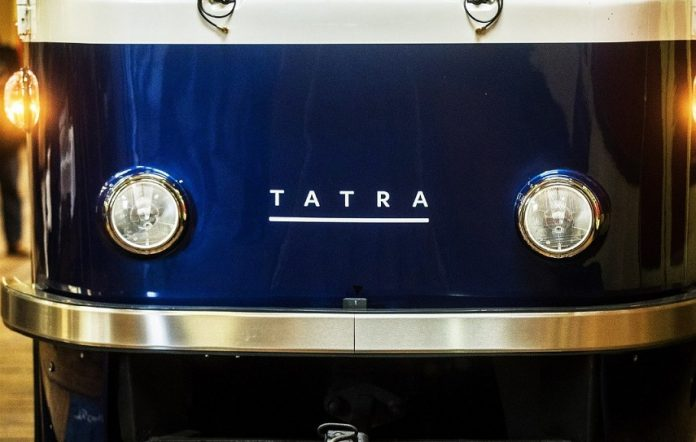 трамвай Tatra
